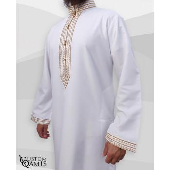 Qamis Sultan Platinium Blanc avec Broderie Doré - Custom Qamis