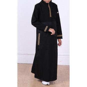 Qamis Noir Long Brodé Doré - KID et ADO - Manches Longues Qaba'il : Eminence