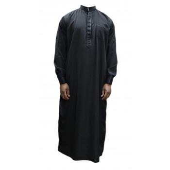 Qamis noir coupe droite avec pantalon Afaq : bouton col et manches
